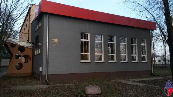 budynek z zewnątrz
